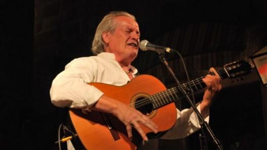 Ibrica Jusić pjeva Arsenovu 'Moderato Cantabile'