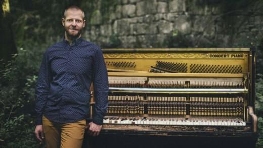 Jazz pijanist Zvjezdan Ružić 30. travnja u klubu Vip