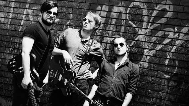 Garage in July predstavlja novi singl 'Trijem za ples'