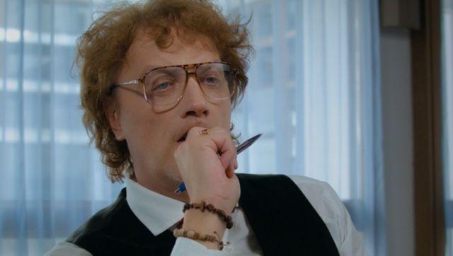 Tonči Huljić u novom spotu u ulozi psihijatra