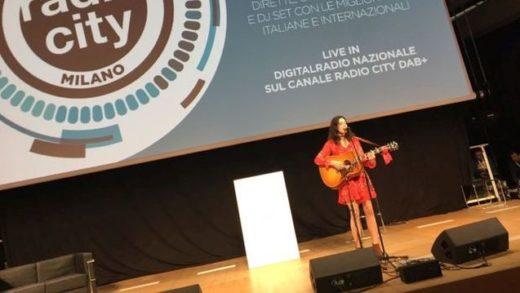 Mia Dimšić oduševila radijske urednike u Milanu