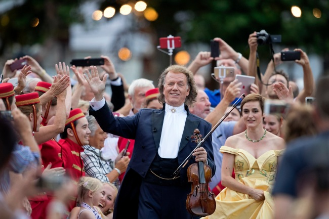 Uoči koncerta u Zagrebu Andre Rieu oduševio berlinsku publiku