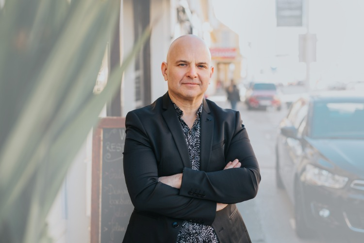 """Ljubav"" – vrući novi singl i spot Igora Delača"
