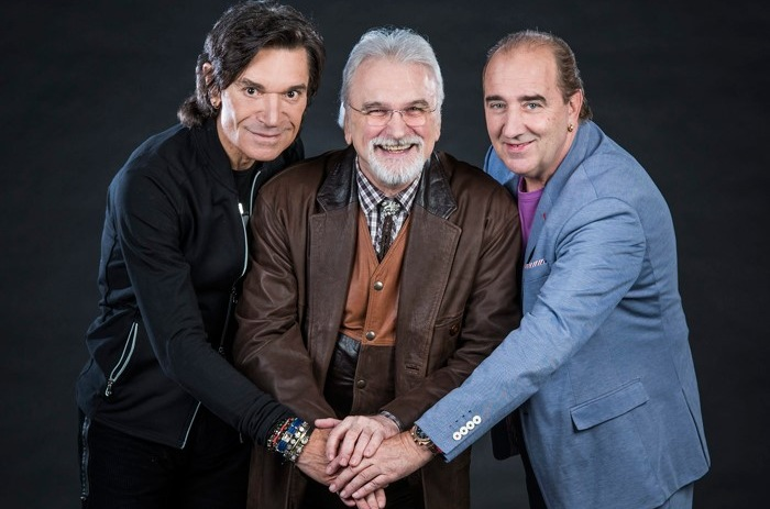 """Stavros, Grdović i Pejaković (Tri mušketira) na CMC festivalu s hitom """"Prijatelji, zovite mi nju"""""""