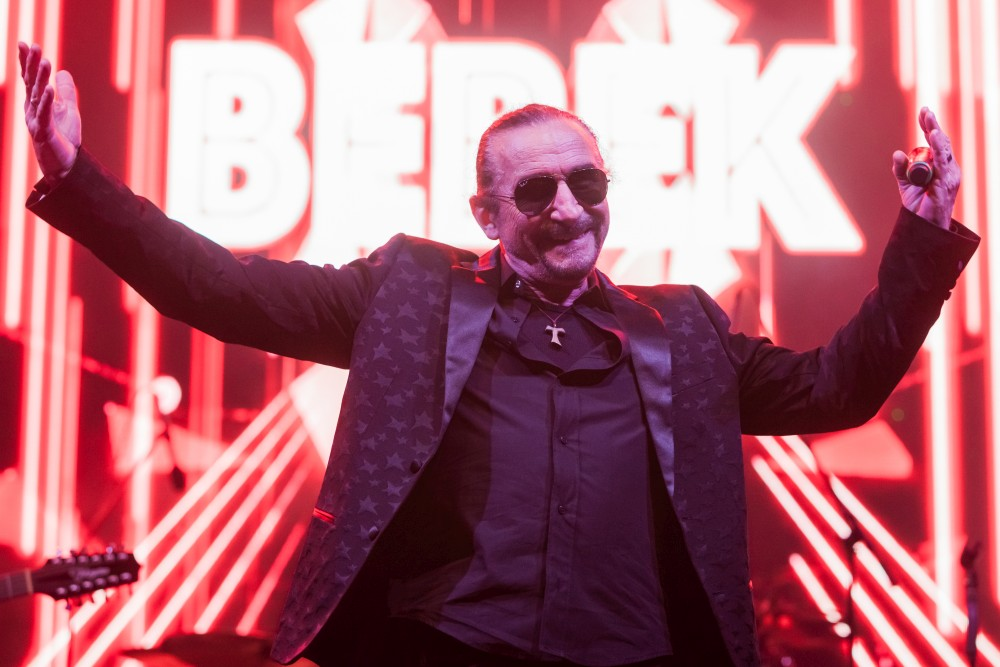 """Željko Bebek uspješnu turneju """"Ono nešto naše 2018"""" završava koncertom u Rijeci!"""