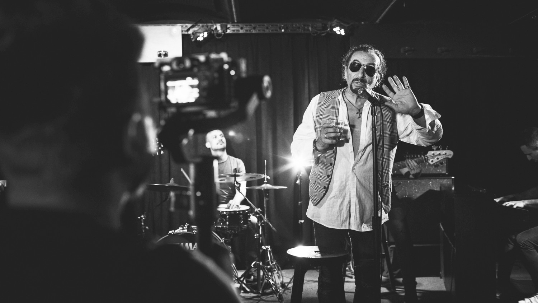 """Željko Bebek objavio još jedan singl s Porinom nagrađenog albuma """"Ono nešto naše"""""""