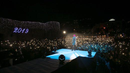 Trijumfalnim koncertom u Budvi Dino Merlin okončao turneju s rekordnim brojem posjetitelja