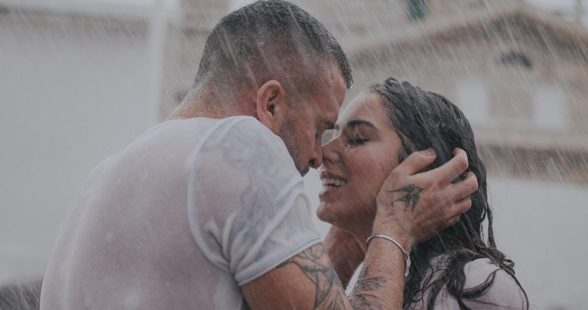 """Poljubi me sad "", pjesma i filmska priča Damira Kedže o strasti  dvoje ljudi"