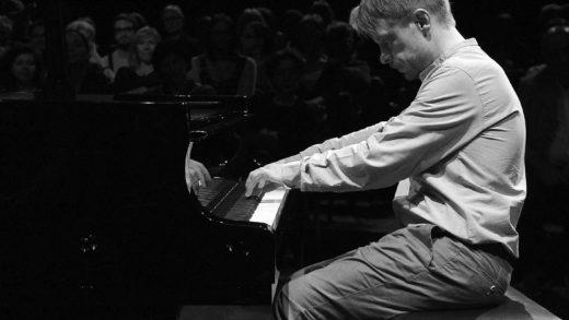 Njegov pijanizam ne poznaje granice: ovaj put Matija Dedić interpretira djela hrvatskih skladatelja!
