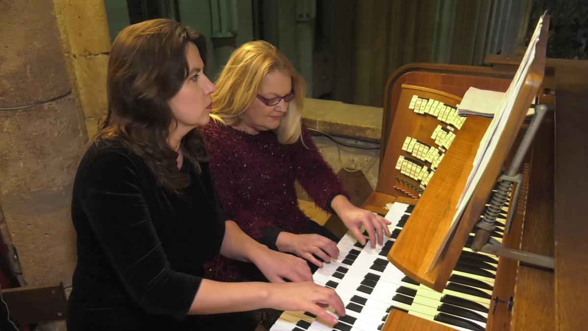 """Orguljaški duo Quattro Obligatto koncertom u Zagrebačkoj katedrali predstavio novi album """"Zdravo budi, mladi Kralju"""""""