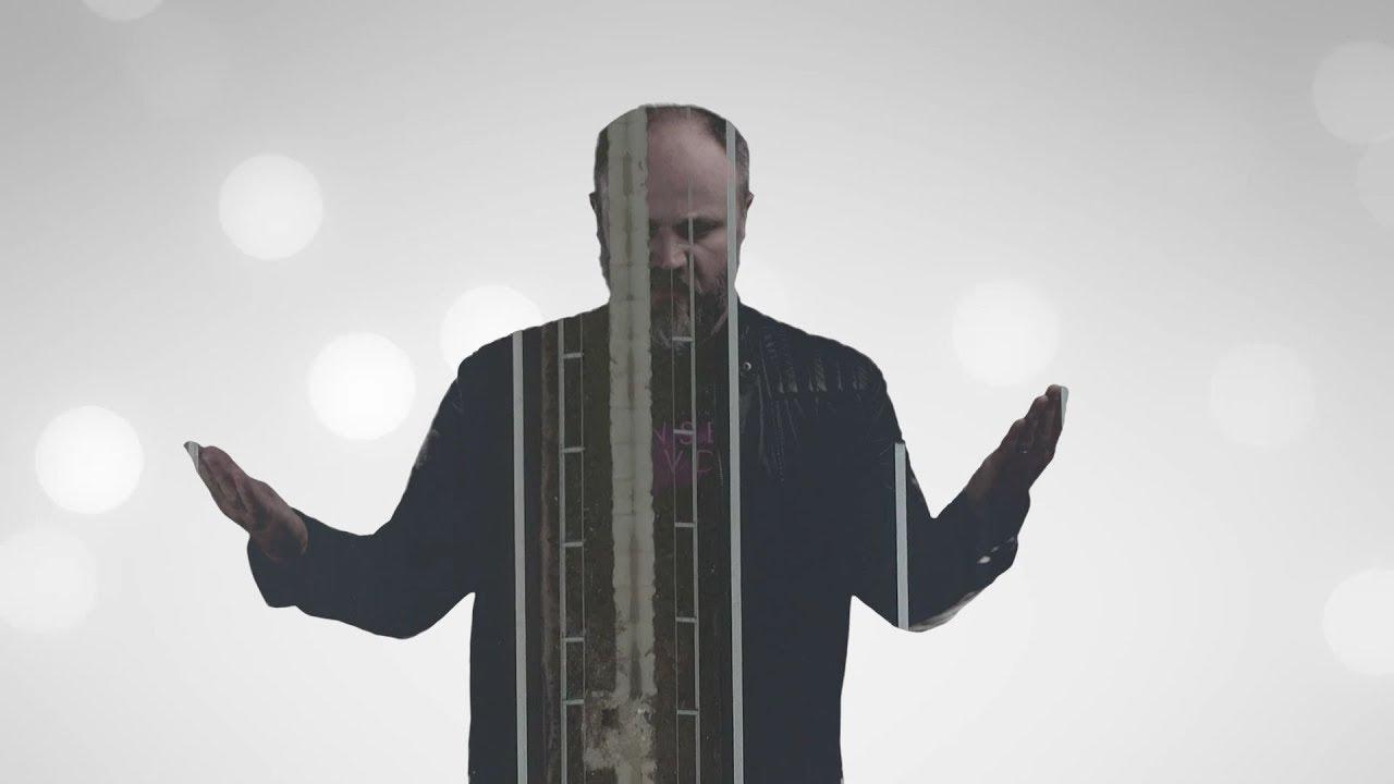 Izvanredan glazbenik Allen (Alen Lemešević) publici se predstavlja s još dvije pjesme i spotovima