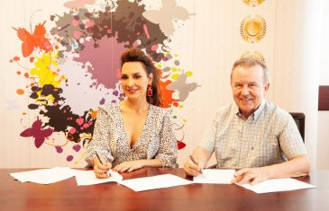 Ivana Kovač potpisala ekskluzivni ugovor s Croatia Recordsom
