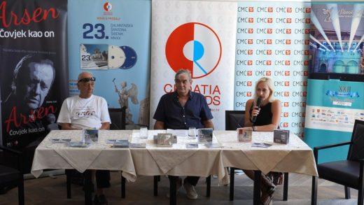 U Šibeniku predstavljen dvostruki album 23. Dalmatinska šansona Šibenik 2020.