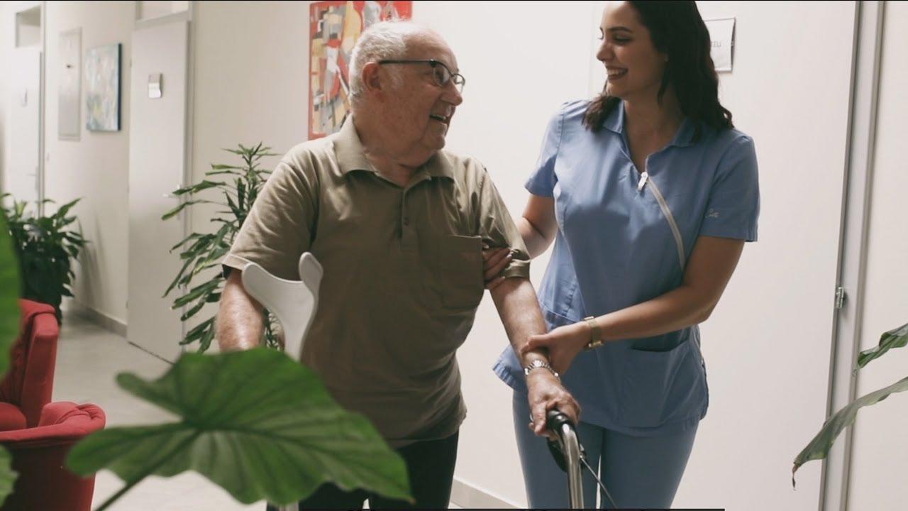 """Uoči proslave 1. svjetskog dana djedova, baka i starijih osoba predstavljen videospot za pjesmu """"U zagrljaju vrimena"""""""